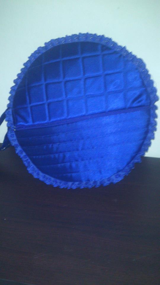 biru tua +renda